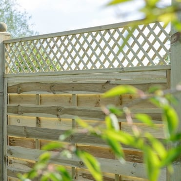 Alderley Square Lattice Trellis