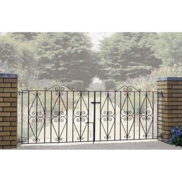 Stirling Scroll Double Driveway Gate