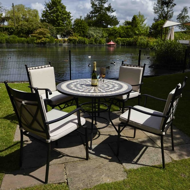 LeisureGrow Casablanca 4 Seat Dining Set with Eclipse Parasol
