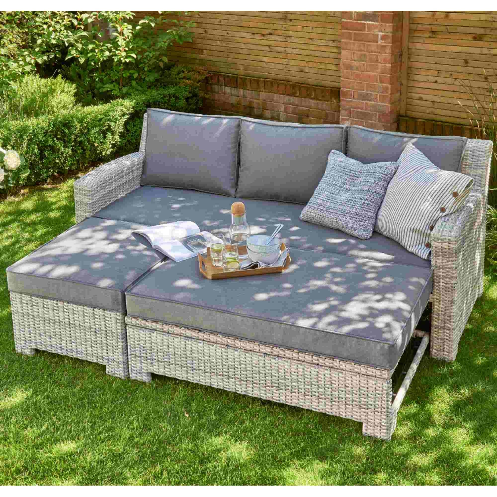 Norfolk Leisure Oxborough Pull-Out Lounge Sofa