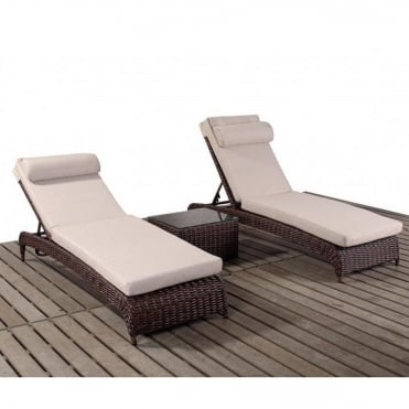 2 people sun loungers steamers