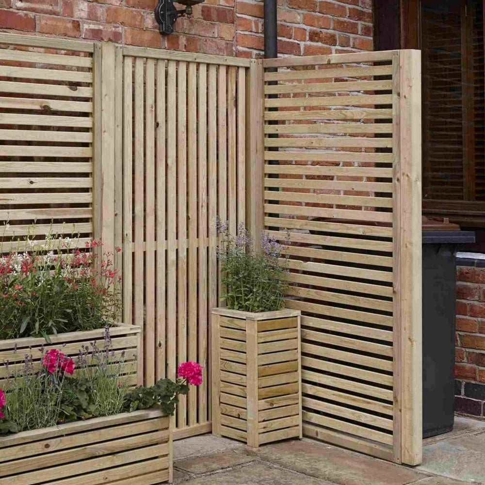 rowlinson garden creations horizontal slatted screen. Black Bedroom Furniture Sets. Home Design Ideas
